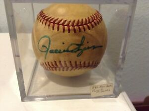 Rollie-Fingers-Autographed-baseball-SD-Padres-1980