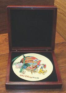 Walt Disney Monde 2000 Fonte Holiday Célébration 5 De Collection Broches /