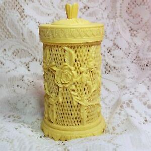 Lattice-Ivory-Look-H-039-orderves-Appetizer-Holder-39-Forks-Roses-Hong-Kong-Vintage
