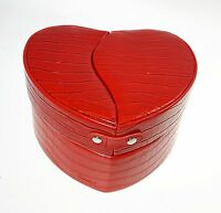 Beauty Case Heart Heart Faux Leather With Accessories By Camomilla Red Color