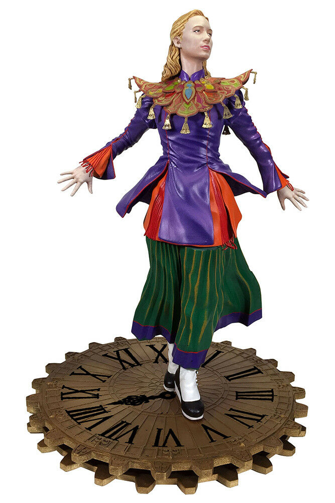Alice Through The Looking Glass Gallery Alice PVC Figure DIAMOND SELECT TOYS