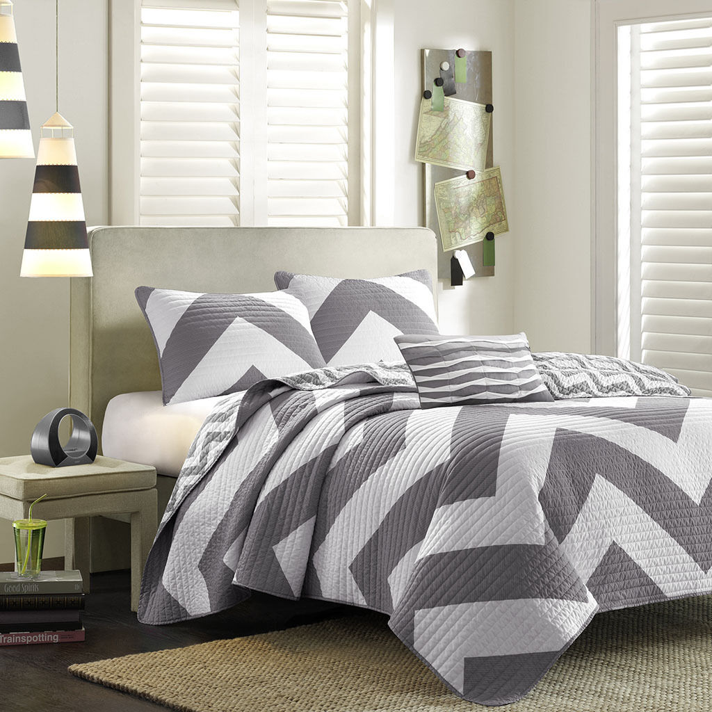 MODERN grau Weiß NAUTICAL CHEVRON STRIPE REVERSIBLE SPORTY PILLOW & QUILT SET