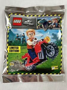 LEGO JURASSIC WORLD: Owen & Motorbike Minifigure Polybag Set 122114. Age 6+.