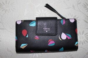 Fossil-Sydney-Tab-Clutch-womens-wallet