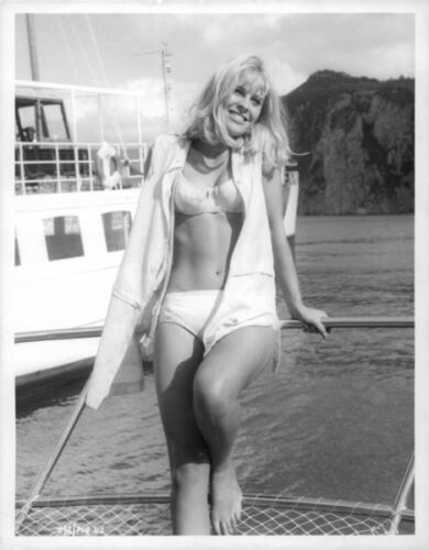 in bikini Julie Christie on boat 8x10 photo