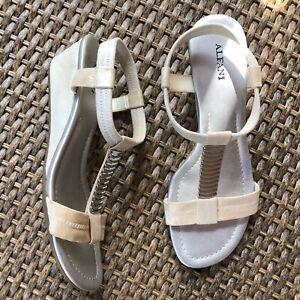 Alfani Size 7 M Off White Ivory Silver