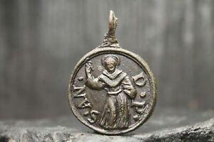 Pendentif catholique romain médiéval en bronze antique, 13e-18e siècle...
