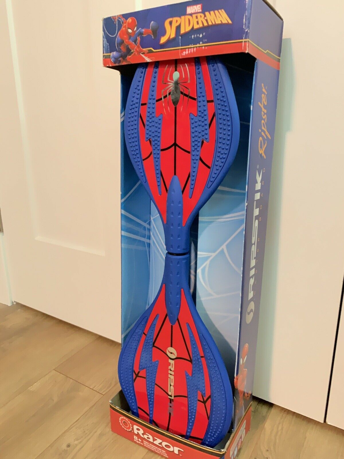 Spider-Man  Ripstik Ripster Caster Board   Stakeboard NEW UNOPENED  presenting all the latest high street fashion
