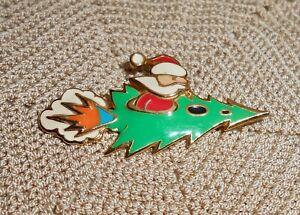 Vintage-BEREBI-Enamel-Santa-Christmas-Tree-Rocket-Brooch-Pin-Gold-Tone-C153