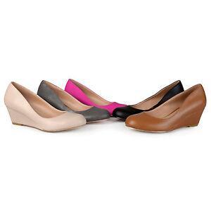 Brinley Co. Women's Round Toe Classic 2 Tone Chunky Heel