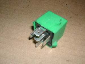 Rover-25-99-on-1-4-Green-Relay-YWB10032
