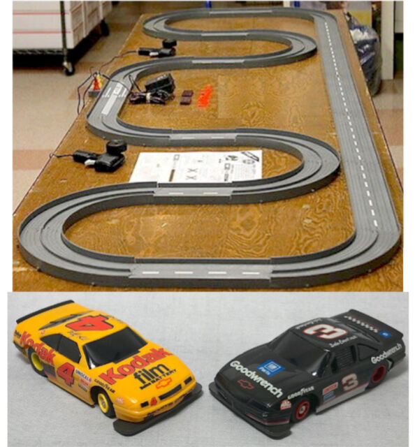 1993 TYCO TCR Slotless Slot Car Total Control Race Set