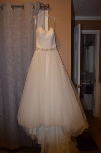 Women's Petite Wedding Dress