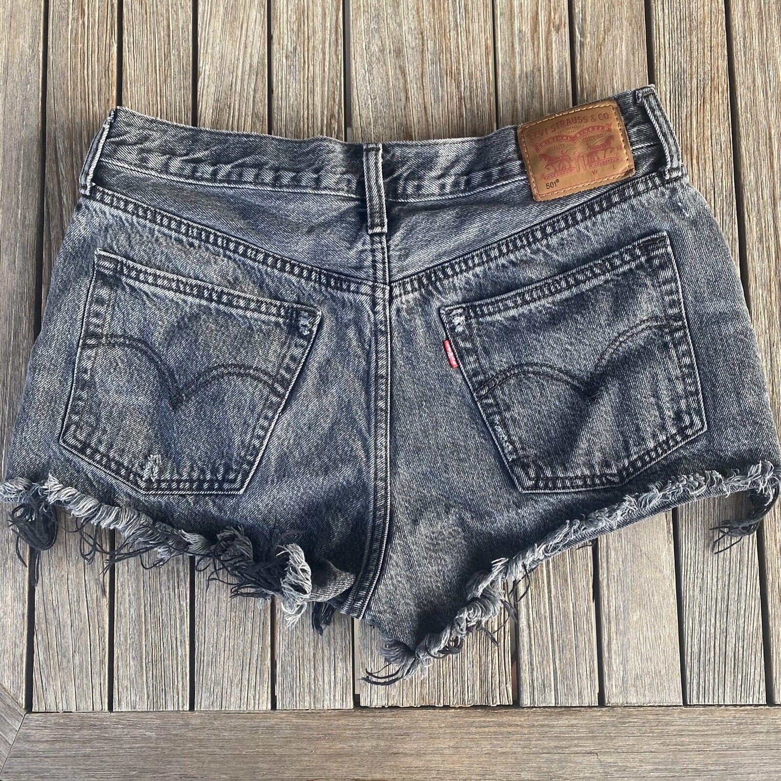 Vintage 90's Levi's 501 Distressed Denim Shorts S… - image 2