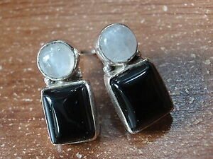 Black-Onyx-and-Moonstone-925-Sterling-Silver-Stud-Earrings-Corona-Sun-r436g