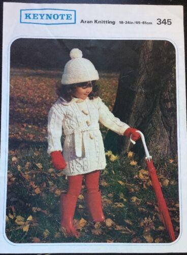 "Knitting Pattern Bambini Ragazze Aran Cappotto Cardigan Taglia 18//24/"""
