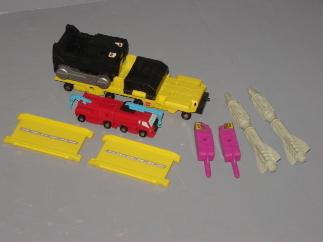 G1 TRANSFORMER AUTOBOT MICROMASTER MISSILE LAUNCHER TRANSPORT COMPLETE LOT  1