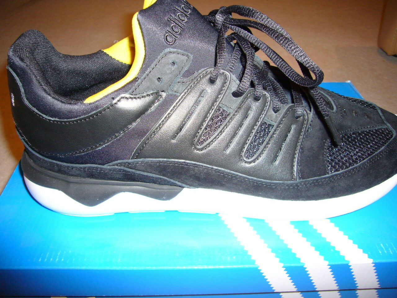 Adidas Tubular 93 UK 10,5
