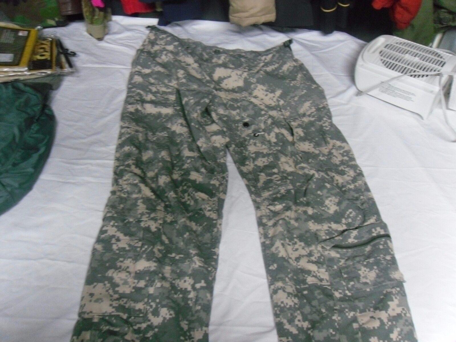 A2CU ACU DIGITAL PATTERN ARMY AIRCREW COMBAT BOTTOMS FLAME RETARDANT PANTS USED