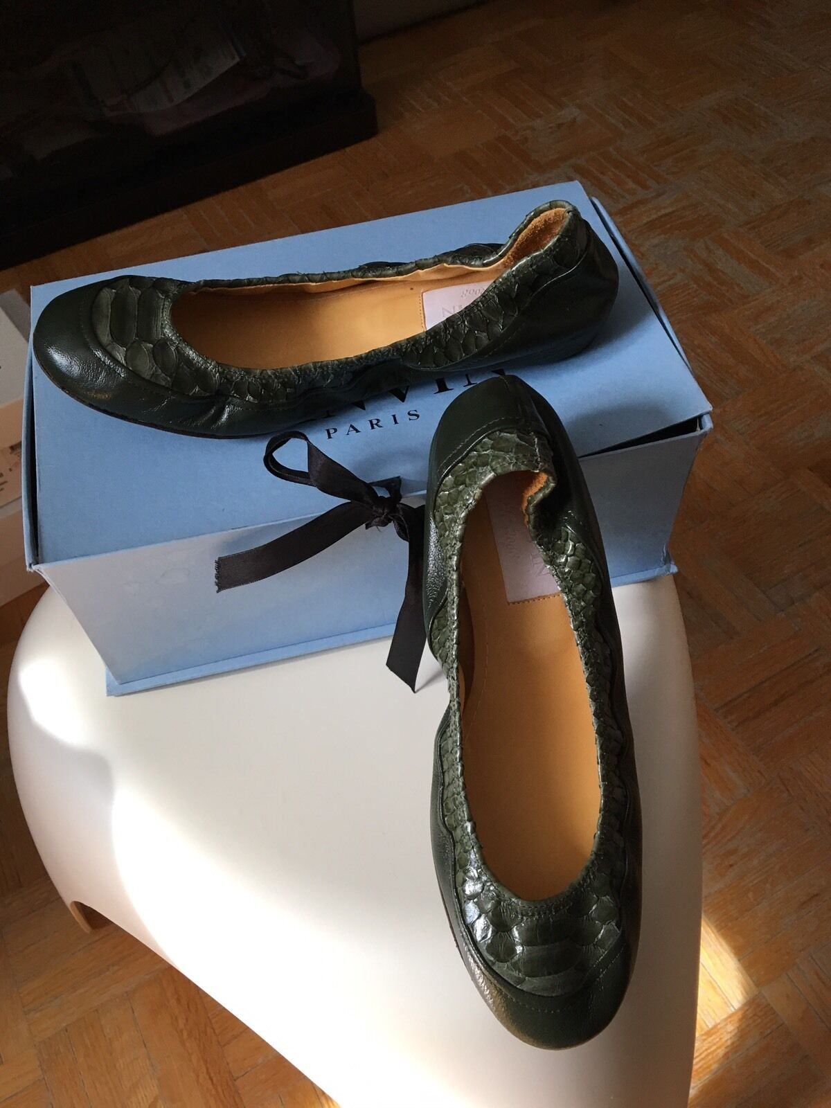 NIB Burberry Nero Canvas Ballet in Flat 37 brand new in Ballet box 0ea152