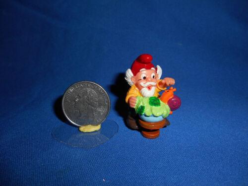 KITCHEN GNOME With ESCARGOT SNAILS Plastic Figurine Kinder Surprise ZWERGE LUPIN