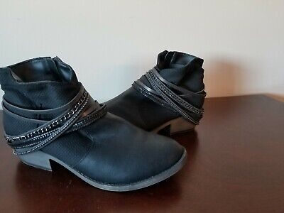 056bf310756 Ladies Black Boots with Chains, Kohls SO Shoes Size 9 cowboy western ...
