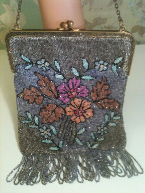 VTG ANTIQUE MICRO GLASS BEADED FLORAL DOUBLE SIDED W/FRINGE FLAPPER GATSBY PURSE