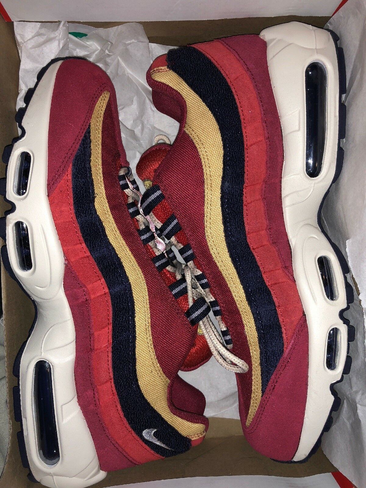 NIKE AIR MAX 95 PREMIUM RED, NAVY, CREAM COLORWAY. WITH BOX. WORN ONCE.