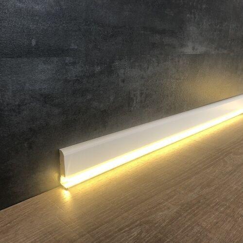 """LED Sockelleiste  /""""Ormea/"""" 12 x 42 mm weiß foliert für indirekte Beleuchtung"""