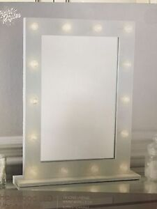 Battery Operated Vanity Mirror Lights : Hollywood LED Vanity Mirror 14 Lights Battery Powered Dressing Table Make Up eBay