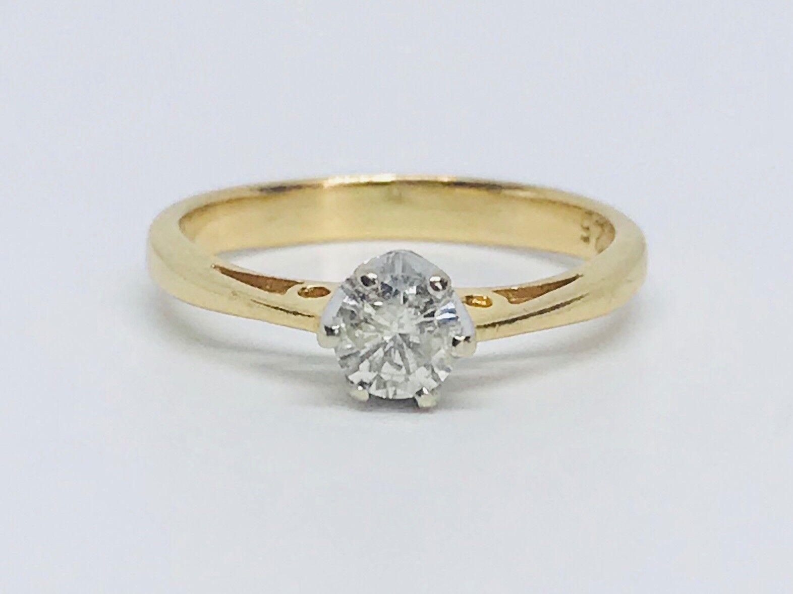 Diamond Soliatare in 18 ct gold