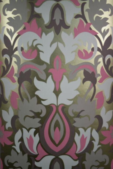 PRESTIGIOUS GLOW ROSE GOLD WALLPAPER WITH PINK AND BROWN. HIGH QUALITY DESIGN.