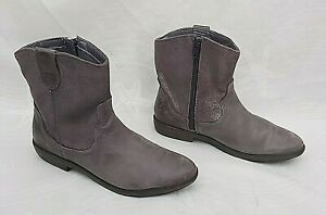 CLARKS-BIDDIE-TACK-GREY-LEATHER-SILVER-SPARKLE-CHELSEA-CHELSEA-BOOTS-2F-FREE-P-amp-P