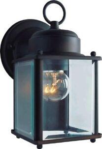 Boston Harbor 4402H-23L 1-Light Wall Lantern, Clear