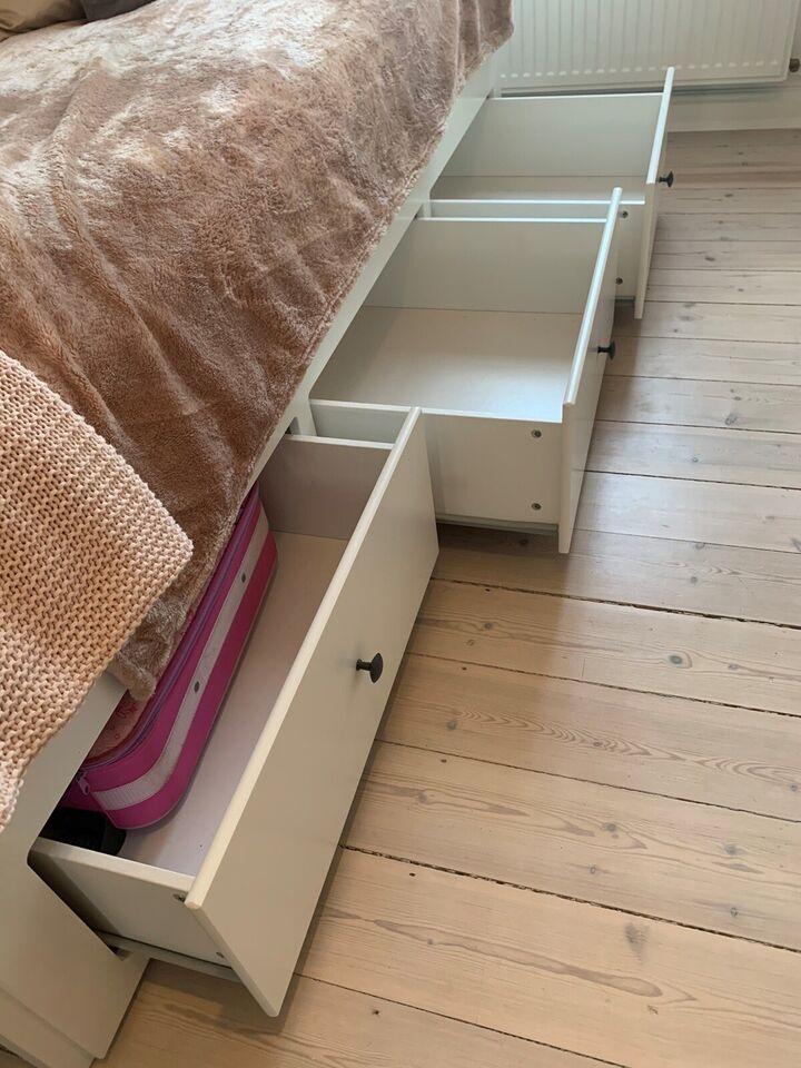 Sovesofa, IKEA Hemnes, b: 90 l: 210 h: 85