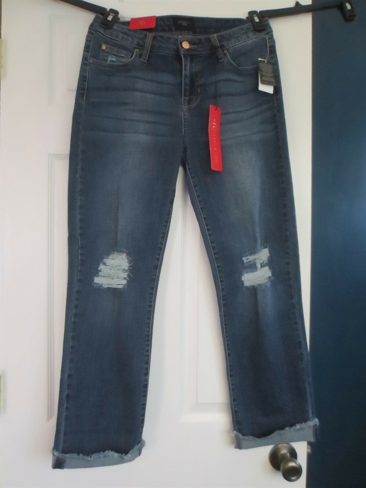 Celebrity Pink Junior's 11 30 Dark distressed Straight leg Jeans NEW