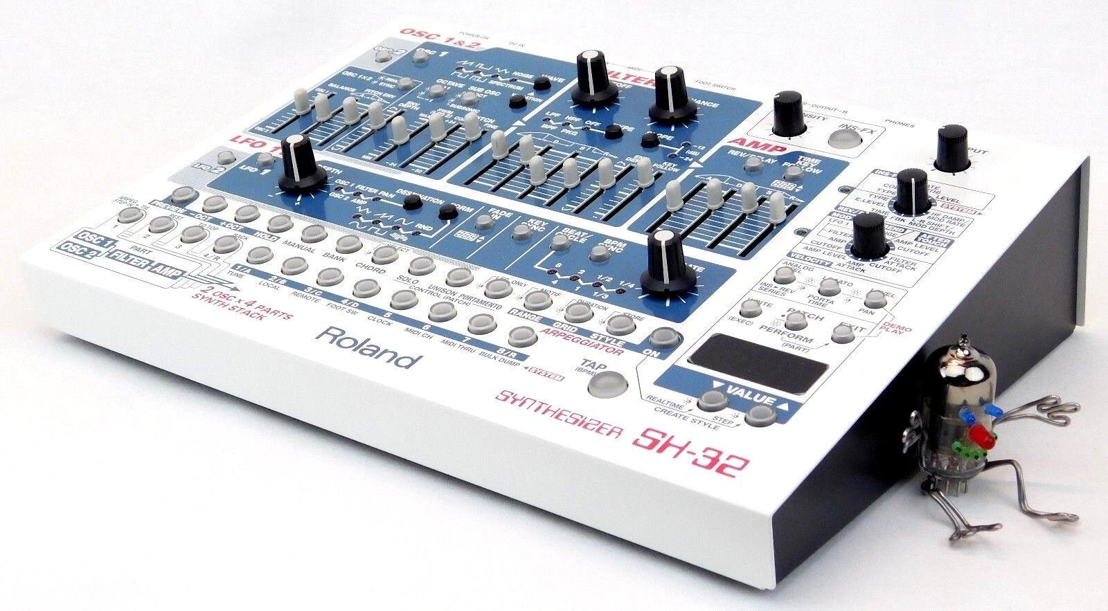Roland SH-32 SyntheGrößer MIDI Synth ähnl. JP-8080 + Wie Neu +1.5 Jahre Garantie