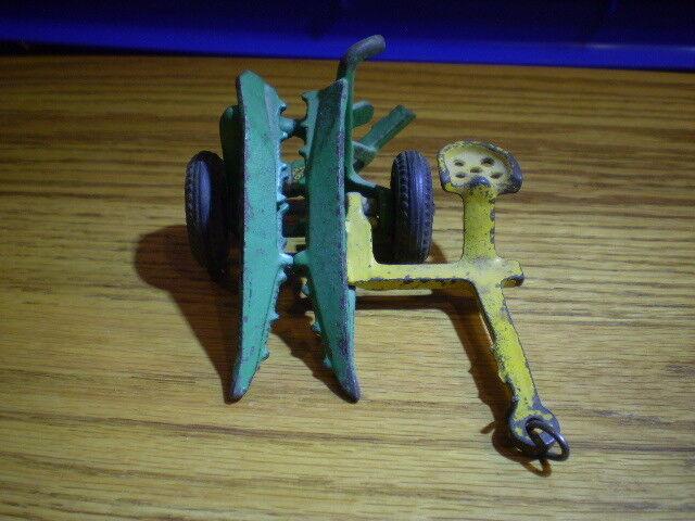Vintage Cast Iron Arcade Corn Binder Cutter 5  with good Arcade decal