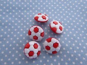 15-mm-Botones-de-Futbol-rojo-y-blanco-con-cierre-de-cana-en-envases-de-2-5-o-10