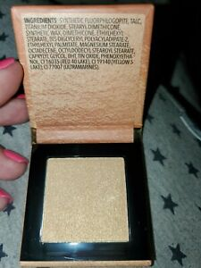 ESSENCE COSMETICS Pure Nude Highlighter 010 in Popping