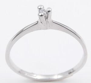Anello-solitario-in-oro-bianco-18-kt-da-donna-con-diamante-0-03-taglio-brillante