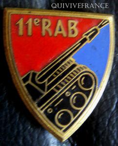 IN5898-INSIGNE-11-R-A-B-flamme-noire-email-1-pastille-sans-marque