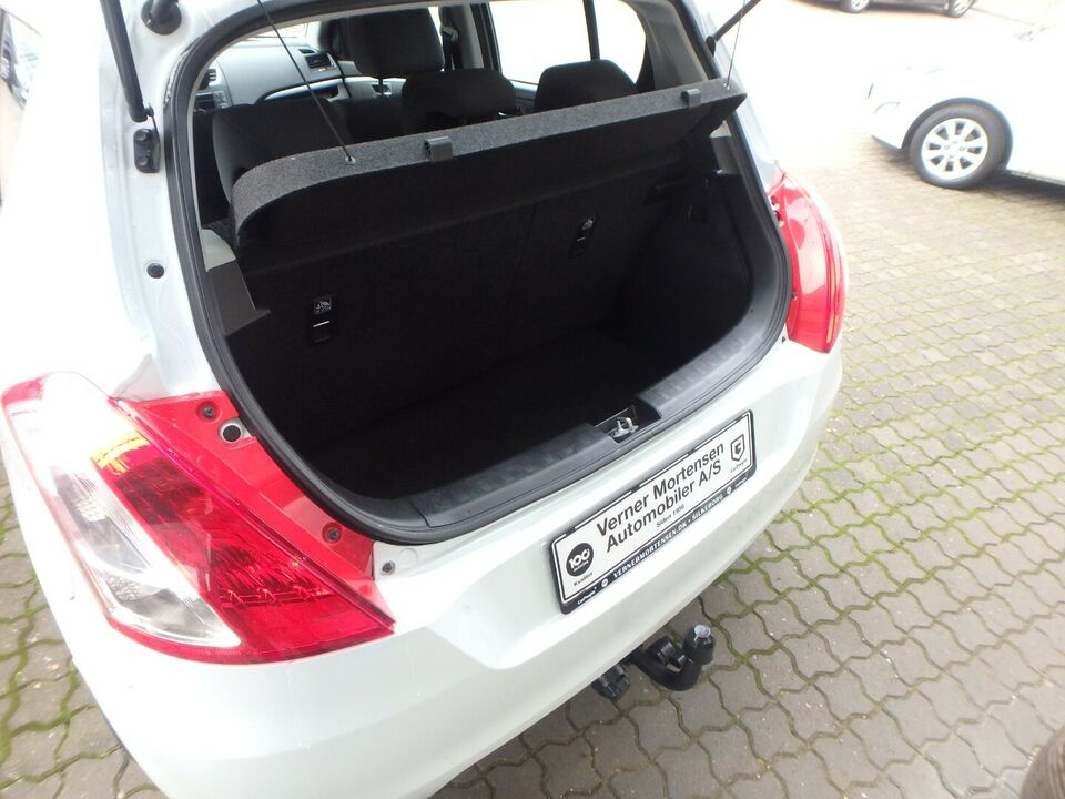 Suzuki Swift 1,2 Dualjet Club Benzin modelår 2014 km 66000