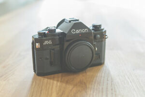 Canon-A-1-Fotokamera-Spiegelreflexkamera-SLR-schwarz