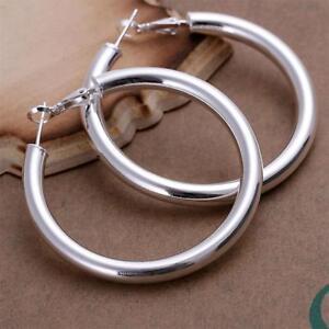 Orecchini-a-cerchio-in-argento-da-donna-con-grande-traversina-ad-anello