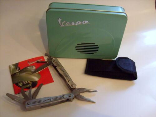 NEUF. Multifonction pince avec vespa logo en acier avec sac dans boîte en fer!!