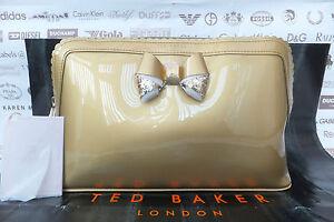 01da4a186a5e98 TED BAKER Ladies Wash Bag ARDITH Large Make-Up Scallop Edge ...