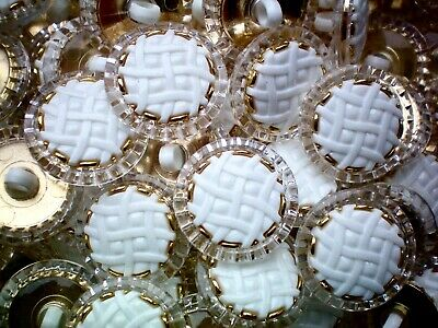 P123 20mm 32L Ivory White Pearl /& Silver Matt Cone Shank Dress Jacket Buttons