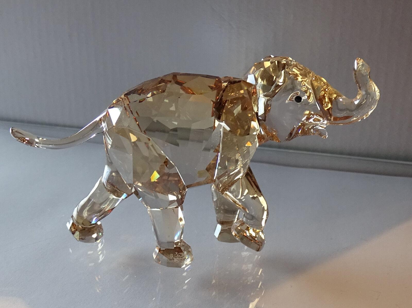 SWAROVSKI 1142862 1142862 1142862 SCS jeune éléphant Young Elephant 2013 neuf dans sa boîte avec certificat En parfait état, dans sa boîte | Se Vendant Bien Partout Dans Le Monde  c2458b