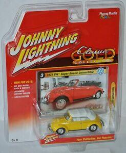 Classic-Gold-1975-VW-SUPER-BEETLE-conv-yellow-white-1-64-Johnny-Lightning